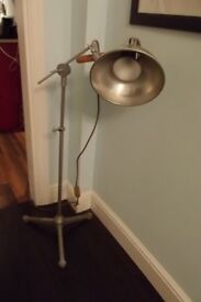 ORIGINAL MID CENTURY MEDICAL / INDUSTRIAL LAMP BY(EMS) ELECTRO MEDICAL SUPPLIES