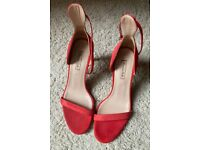 Massimo Dutti leather heels. UK 5