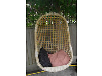 Wicker hanging basket chair