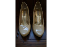 Dune cream wedged shoes