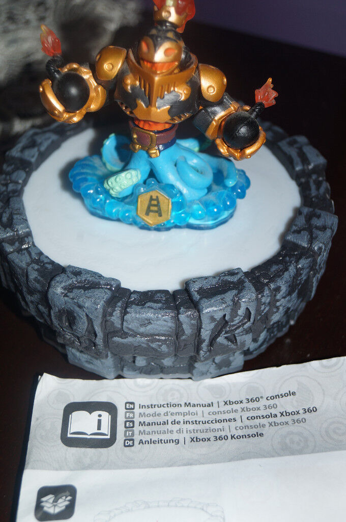 Brand New Skylanders Giants Wired Portal of Power XBOX 360 and 7 ...