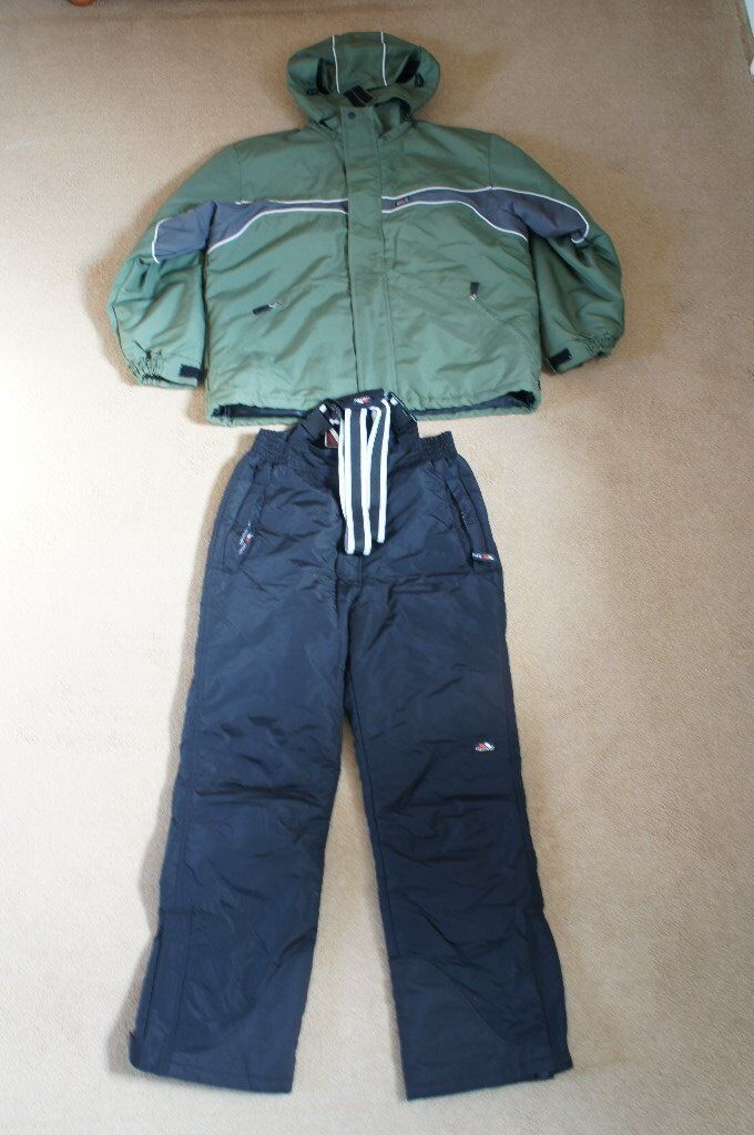 Mens Trespass Medium Green Ski Jacket and Small Black Salopettes ... 546c84f2b