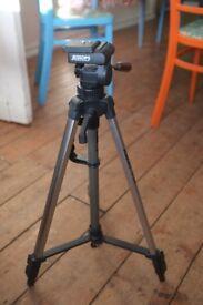 Lightweight photo tripod - Jessop TP320
