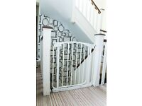 Dreambaby® Swing Closed Security Gate - White