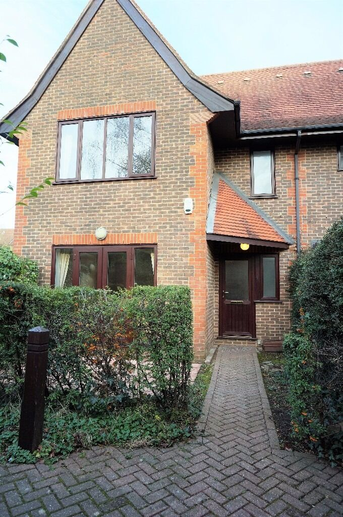 Large three double bedroom house, East Finchley, N2 - £2,195 per calendar month