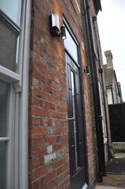 A luxury 1 bedroom apartment situated in the attractive heart of the picturesque High Street.