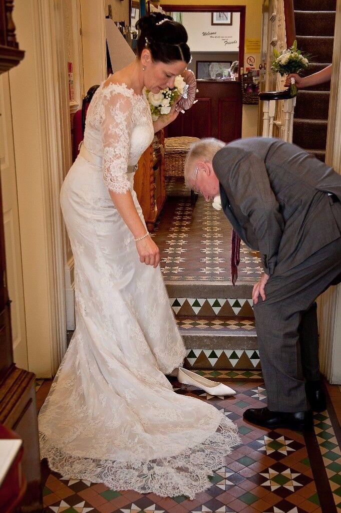 White Rose Lace Wedding Dress Size 10 12