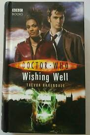 DOCTOR WHO hard back books x5 as new condition