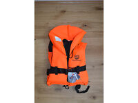 Marine Pool Adult/teen Life jacket Europe PE 100N . Brand new with tags! 40-60 kg £12