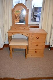 Solid Pine Wood Dressing Table with Mirror and Bench