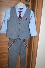Next Boys suit age 1-2