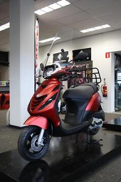 PIAGGIO ZIP 4T - SP SPECIAL CUSTOM - PRONTO SCOOTERS