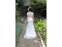 Stunning White Mermaid Lace Designer Wedding Dress Size 8