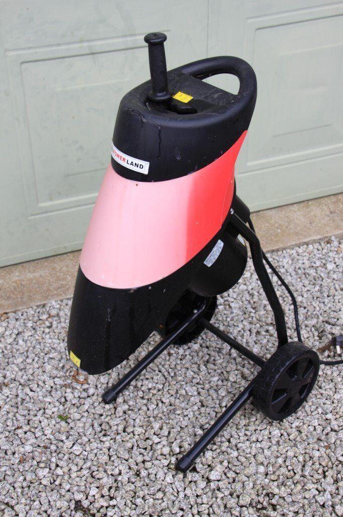 Garden Shredder - Mowerland - Powerful 2500 watt - 40mm Cutting Capacity