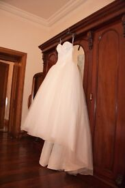 Beautiful Ivory Wedding Dress Ball Gown / Princess style size 8/10 (cost £1500) - FOR SALE £500 ONO