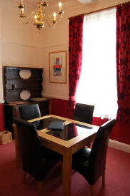 Oak and granite dining table (extendable) with 6 leather dining chairs