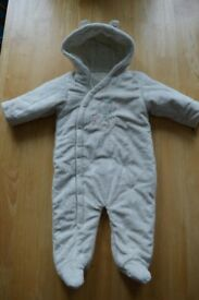 Winter suit 6-12 months / All in one