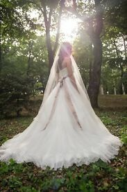Beautiful one of a kind tulle wedding dress size 8