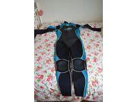 Womens Billabong wetsuit (Size 16)