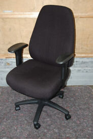 Computer chair / executive chair / office furniture