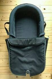 Stokke Xplory Carry cot + clip + 2 fitted sheets for carrycot