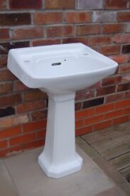Traditionally styled bathroom basin sink and pedestal