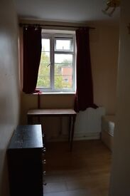 double and single room to let