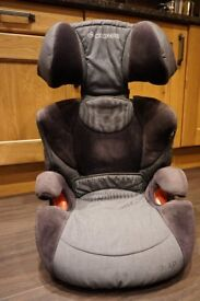 Maxi Cosi Car Seat - detach to become booster. Age 4 - 11
