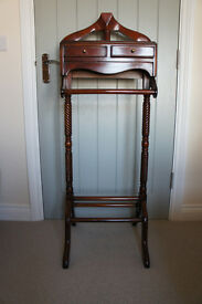 Beautiful Reproduction Mahogany Regency Style Clothes Valet Stand in Excellent Condition