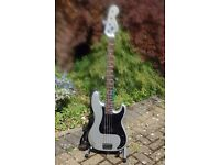 SQUIRE BY FENDER PRECISION P-BASS GUITAR