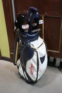 Ensemble de batons de golf variés avec sac (A013254)