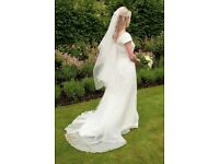 """""""Le Spose di Gio"""" wedding dress - size 12"""