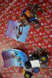 CHRISTMAS TOYS - CONSTRUCTION KIT x2 - USED BUT VERY GOOD CONDITION