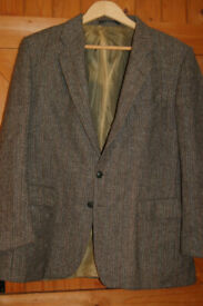 M & S vintage retro tweed jacket, short 44 inch chest, chunky buttons