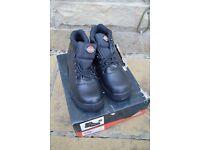 Dickies Mens Size 10 Black Steel Toe Cap Boots.