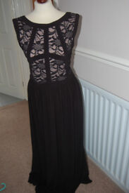 Ladies R & M Richards Long Dress Ideal Cruise / Party Size 12 - 14