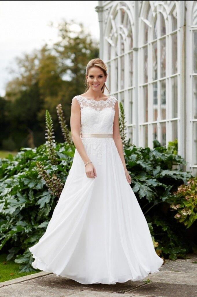Tiffany Bridal Joy Wedding Dress Size 14 Ivory Lace Low Back Bnwt Never Worn Tulle Skirt