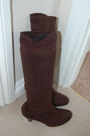 Ladies Brown Marks & Spencer Soft Leg Stretch Boots Size 5