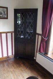 Display Corner Unit with leaded glass doors