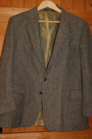 Vintage Marks and Spencer lined tweed short size 44 inch chest. Pure new wool