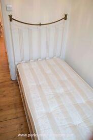 ANTIQUE VICTORIAN CAST IRON SINGLE BED