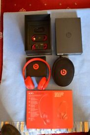 Beats Solo 2 Wireless Headphones as new unwanted present still in box and packaging they came in.