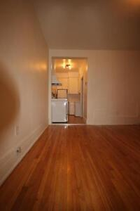 Large Studio - Downtown - ATWATER - avail Immediately or Later