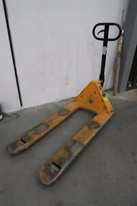 Hydraulic Pallet Jacks - BLOWOUT!!!