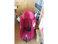 Maxi Cosi Milofix Car Seat in Robin Red