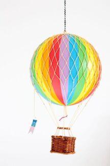 Children's Decor Vintage Rainbow Hot Air Ballooon in as new condition