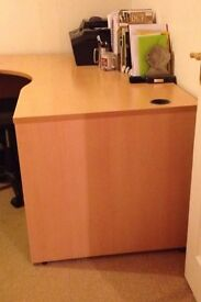 Large desk in perfect condition with office chair
