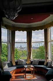 Room in bright and spacious flat on the Meadows