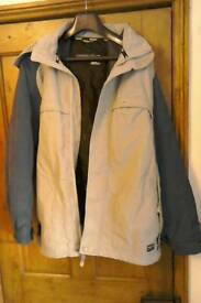 Truant ski_snowboard jacket with hood _freeworld sno. Size L.