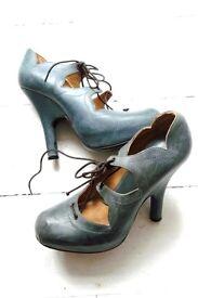 Vivienne Westwood Designer Grey soft leather elevated platform heel shoes sandals size 4